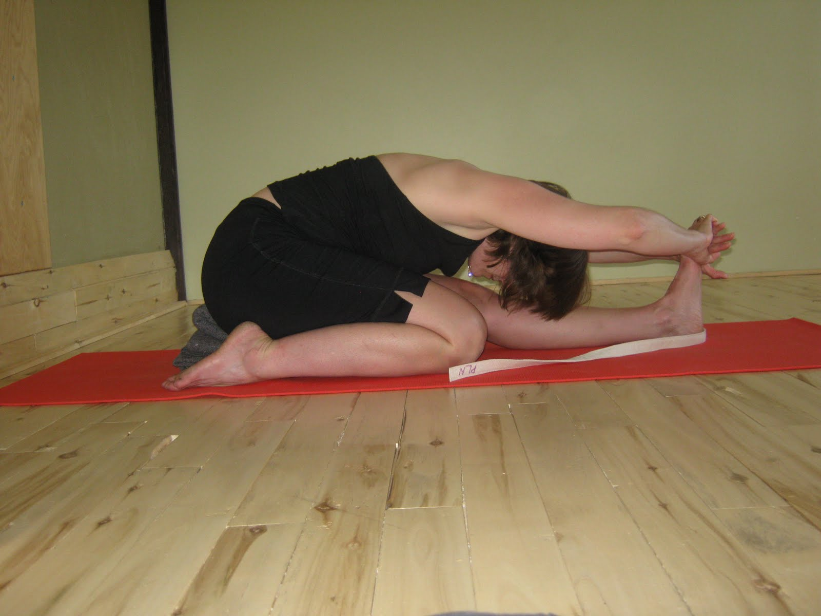 Paschimottanasana One Leg